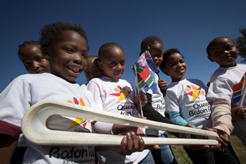 The Queen's Baton spent the day in the Mpumalanga province, South Africa on 17 May, 2017, where it attended various events including a memorial to a 1947 train disaster and a visit to a World Cup soccer stadium. This QueenÕs Baton Relay will visit all 70 nations and territories of the Commonwealth, over 388 days and cover 230,000km. It will be the longest Relay in Commonwealth Games history, finishing at the Opening Ceremony on the Gold Coast on 4th April 2018. Photograph shows a group of school pupils with the Baton as it arrived at the town of Emalahleni for a celebration of the Relay.